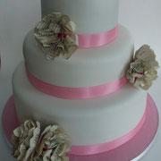 Hochzeitstorte 3-stöckig mit Papierblumen