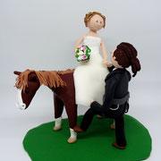 Tortenfigur Brautpaar mit Pferd und Kletterer