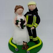 Tortenfigur Brautpaar Feuerwehrmann und Katze