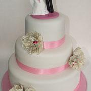 Hochzeitstorte 3-stöckig mit woidschenken-Tortenfiguren