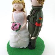 Tortenfigur Brautpaar Bundeswehr