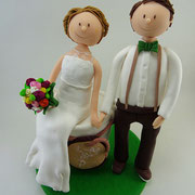 Tortenfigur Brautpaar mit sitzender Braut