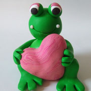 Tortenfigur Frosch mit Herz