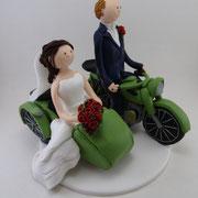 Tortenfigur Brautpaar mit Motorrad und Seitenwagen