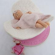 Tortenfigur Baby in Engelsflügeln