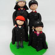 Tortenfiguren Familie in Feuerwehruniform mit Helmen