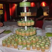 Hochzeitstorte und Eistorte mit woidschenken-Tortenfiguren