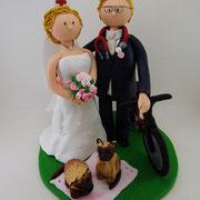 Tortenfigur Brautpaar Arzt und Krankenschwester mit 2 Katzen und Fahrrad