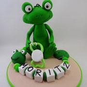 Tortenfigur Frosch mit Schnullerkette