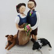 Tortenfigur Brautpaar Tracht mit Hunden