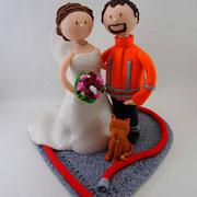 Tortenfigur Brautpaar Feuerwehrmann mit Katze