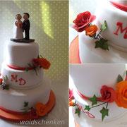 3-stöckige Hochzeitstorte orange und rote Rosen