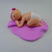 Tortenaufleger Baby auf Decke
