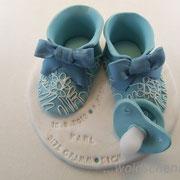 Tortenaufleger Babyschuhe mit Schnuller und Prägung
