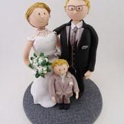Tortenfigur Brautpaar mit Kind