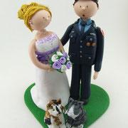 Tortenfigur Brautpaar Feuerwehruniform und Katzen