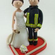 Tortenfigur Brautpaar Feuerwehr