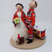 Tortenfigur Brautpaar Sanitäter mit RTW