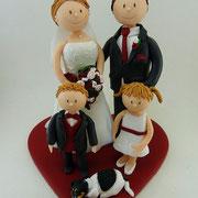 Tortenfigur Brautpaar mit Kindern und Hund
