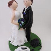 Tortenfigur Brautpaar mit Fahrradhelmen