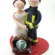 Tortenfigur Brautpaar Feuerwehr mit Koffer