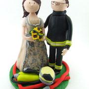 """Tortenfigur Brautpaar """"Tracht und Feuerwehrmann"""""""