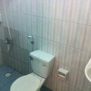 エコノミー宿泊施設例(トイレ&洗面台&シャワー)