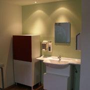 Artzzimmer neues Licht Trockenbau Decke Lichtakzent