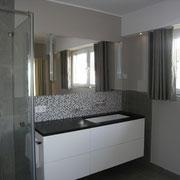 Waschtsich mit Granitplatte