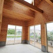 天窓があり、明るくて広い趣味室です。