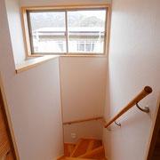 階段の板は杉板を使っています。