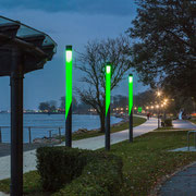 Hess GmbH Licht + Form, Leuchtenstelen an der Hafenpromenade Heiligenhafen, ATHEX PMMA Rohre