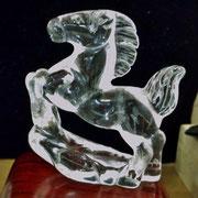 水晶の馬。
