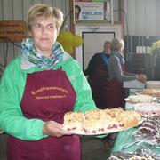 Der OV Marne unter Leitung von Britta Siebels war für das Tortenbuffet zuständig