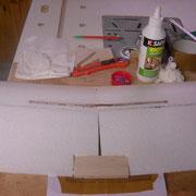 On place également un renfort balsa pour avoir une zone permettrant la fixtion de l'aile sur le fuselage