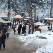 Frau Holle meinte es an diesem Wochenende wirklich gut mit uns und verzauberte den Markt in eine schöne Schneelandschaft.