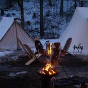 Auch im Härtesten Winter hatte dieser Markt eine Lagergruppe vor Ort ...