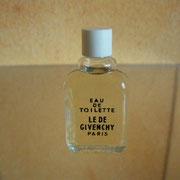 Le De de Givenchy - Eau de toilette - Ecriture grasse