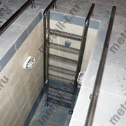 Лестница из нержавеющей стали в смотровую яму
