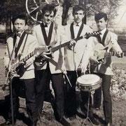 The Vanguards (ca. 1963) met links Paul Thé en rechts Ralph Norman