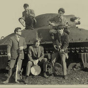 The Bullocks Blues (Ede) bij Sherman tank op de Edense heide.