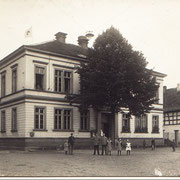 Schulhaus von 1878, Photo um 1914