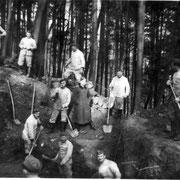 Soldaten aus Geinsheim beim Schanzen, 1940