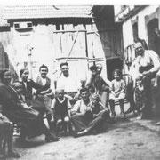Emil Kästel und Nachbarn