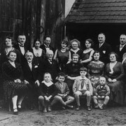 Familie Mane im Anwesen in der Duttweiler Straße (Herrmann Schilling)