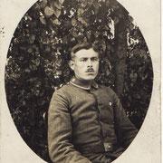 Adam Nebel, 1911 als Kanonier