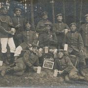 Geinsheimer Soldaten: Franz Adam (2. von rechts) und Lehrer Ludwig Rössler (2. von links)