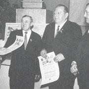 Ehrung 1969 für 50jährige Treue: Karl Kästel und Otto Magin mit Vorsitzendem Otto Adam