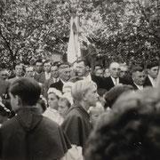 Kirchenfest mit Pfarrkapelle, Kommunionkinder und Gemeindeverwaltung