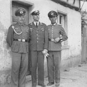 rechts außen: Johannes Hoffmann, aufgenommen im Anwesen Franz Hoffmann (Wässerschütz)